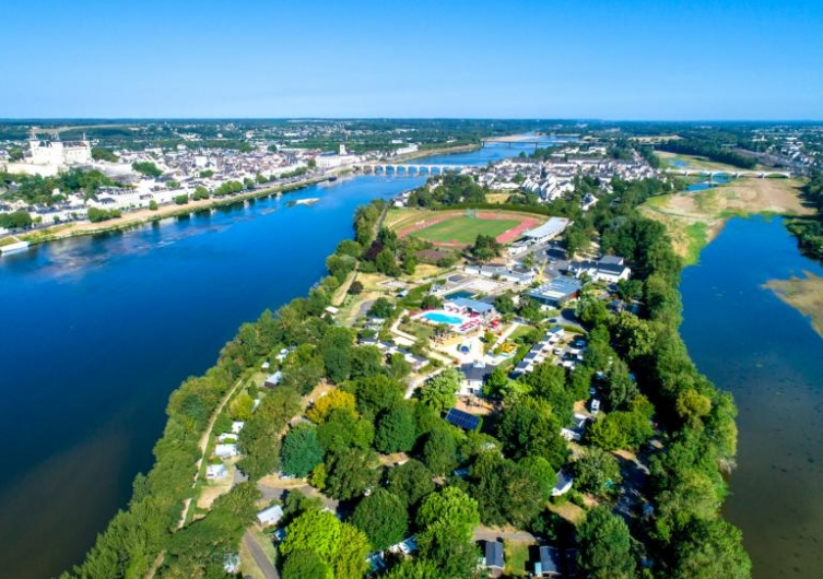 Camping L'île d'Offard - Flower Campings  Camping acceptant les chiens ok chien Saumur
