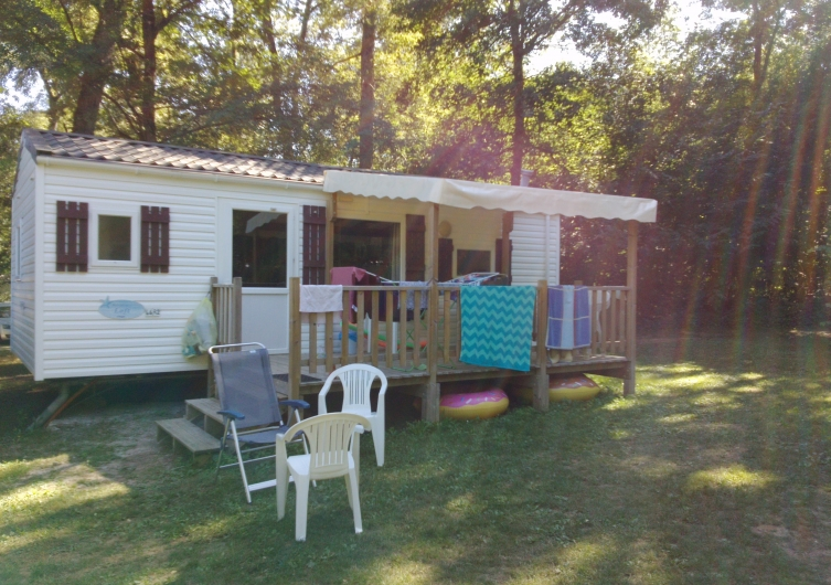 Camping les Nauves - Flower Campings  Camping acceptant les chiens ok chien BELVES