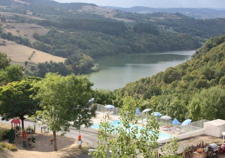Camping de Mars - Flower Campings  Camping acceptant les chiens ok chien CORDELLE