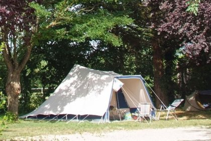 Camping Le Château - Flower Campings  Camping acceptant les chiens ok chien Hauterives