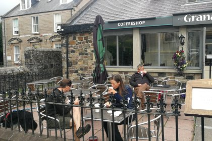 "Coffee shop ""the Granary"" Restaurants chiens admis ok chien Portree"